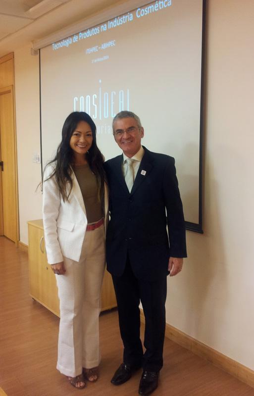 Elisa Vocci e Israel Feferman em palestra sobre Tecnologia de Produtos na Indústria Cosmética